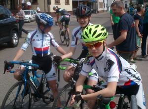 Luca Sittinger, Luca Guldi und Eva-Maria Zusann in Leimersheim