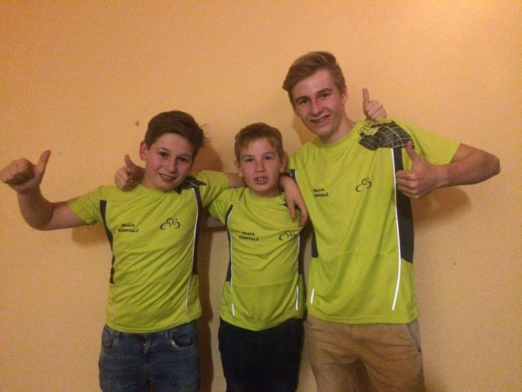 Torben, Julien und Luca im Südpfalztrikot