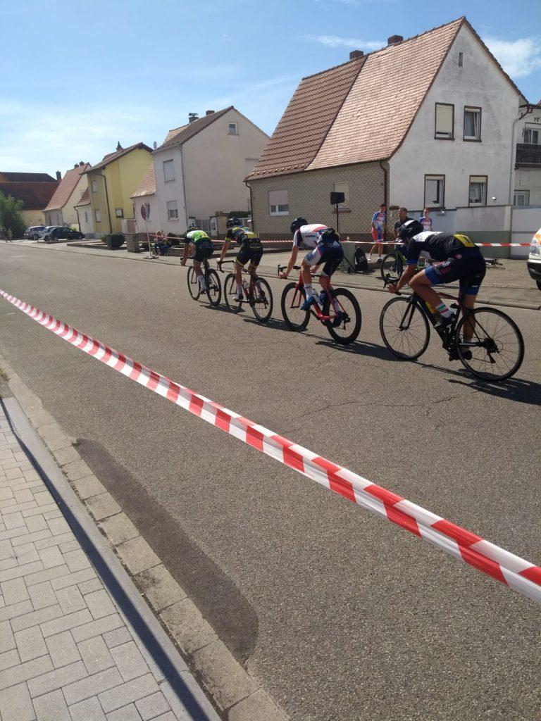 Lennart in der Gruppe